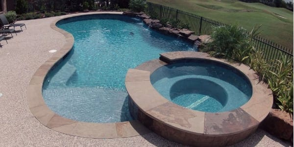 Innovative Custom Pools with Spas