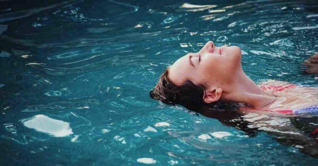 5 Types of Pool Heating Systems: Pros & Cons