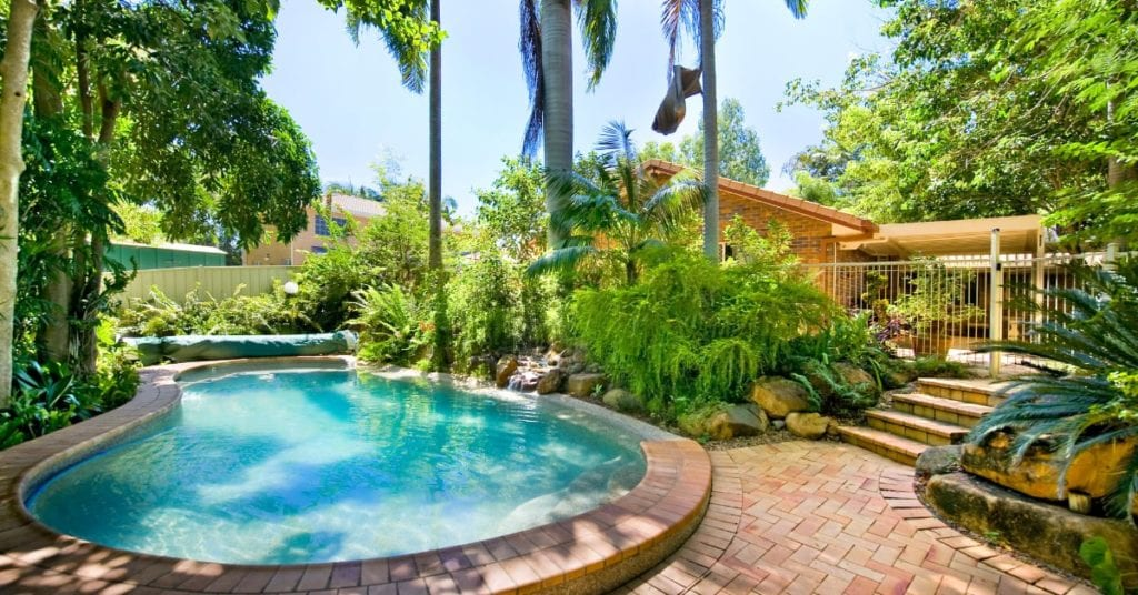 6 Tips for Choosing an Inground Pool Installation Company